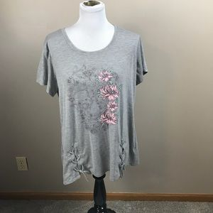 Grey Floral Short Sleeve T Shirt Top by Maurice's